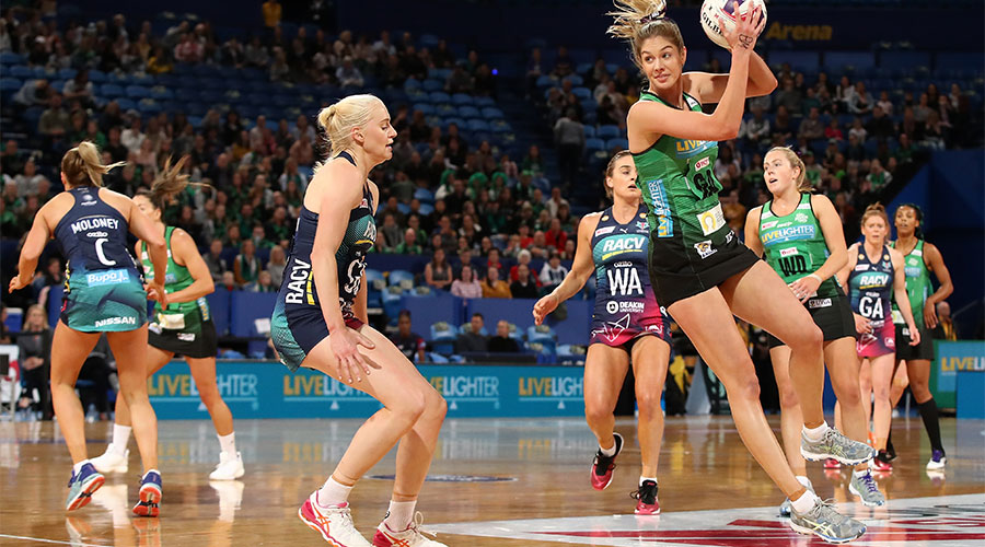 Kaylia Stanton in possession of the ball against Vixens