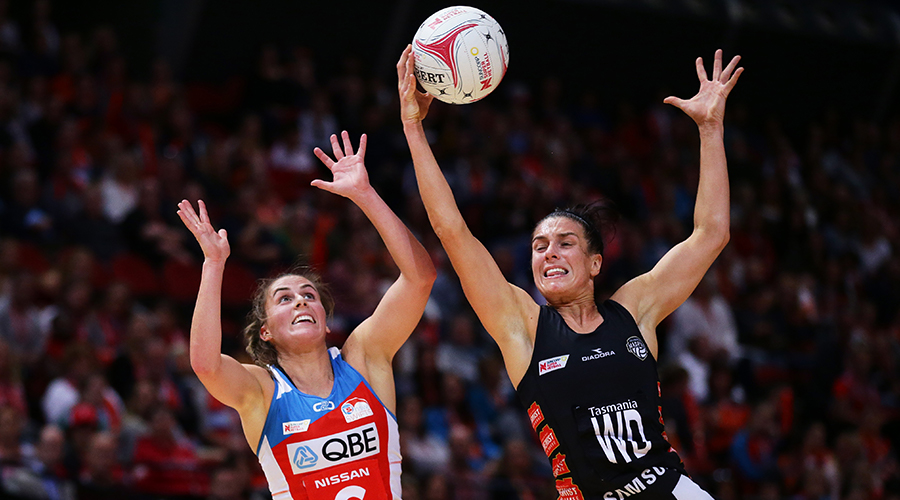 Chelsea Pitman of the Thunderbirds and Ashleigh Brazill of the Magpies compete for the ball during the round 4 Super Netball match between the Magpies and Thunderbirds at Melbourne Arena on May 17, 2019 in Melbourne, Australia.