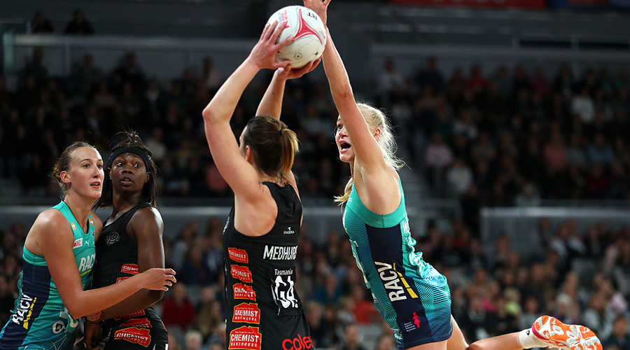 Melbourne Vixens goal defence Jo Weston