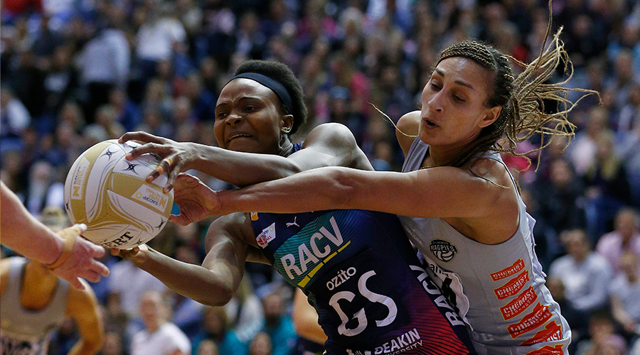 Mwai Kumwenda of the Vixens and Geva Mentor of the Magpies contest the ball during the Super Netball Minor Semi Final match between the Melbourne Vixens and the Collingwood Magpies at the State Netball and Hockey Centre on September 01, 2019 in Melbourne, Australia.