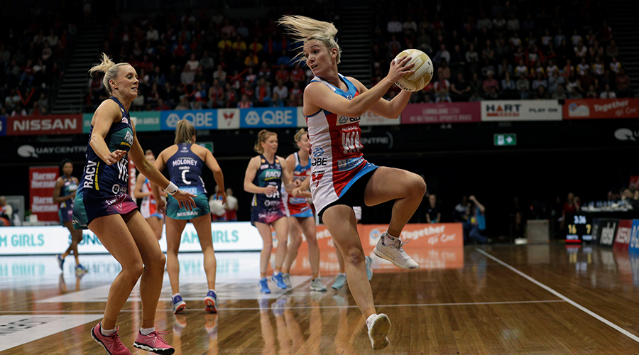 Natalie Haythornthwaite of the Swifts controls the ball during the Super Netball Preliminary Final between the NSW Swifts and the Melbourne Vixens at Quay Centre on September 08, 2019 in Sydney, Australia.