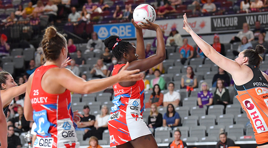 Sam Wallace (centre) of the Swifts shoots for goal during the Round 14 Super Netball match between the NSW Swifts and GWS Giants at Nissan Arena in Brisbane, Saturday, September 26, 2020.